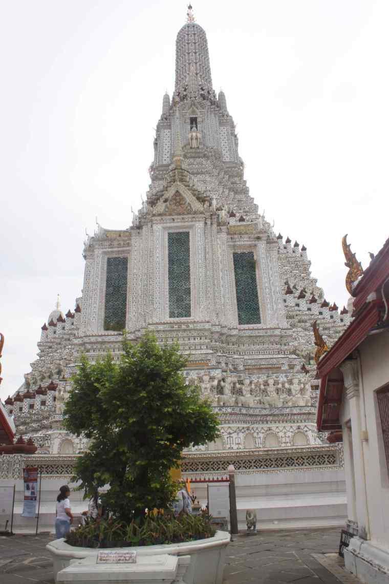Structures around Wat Arun