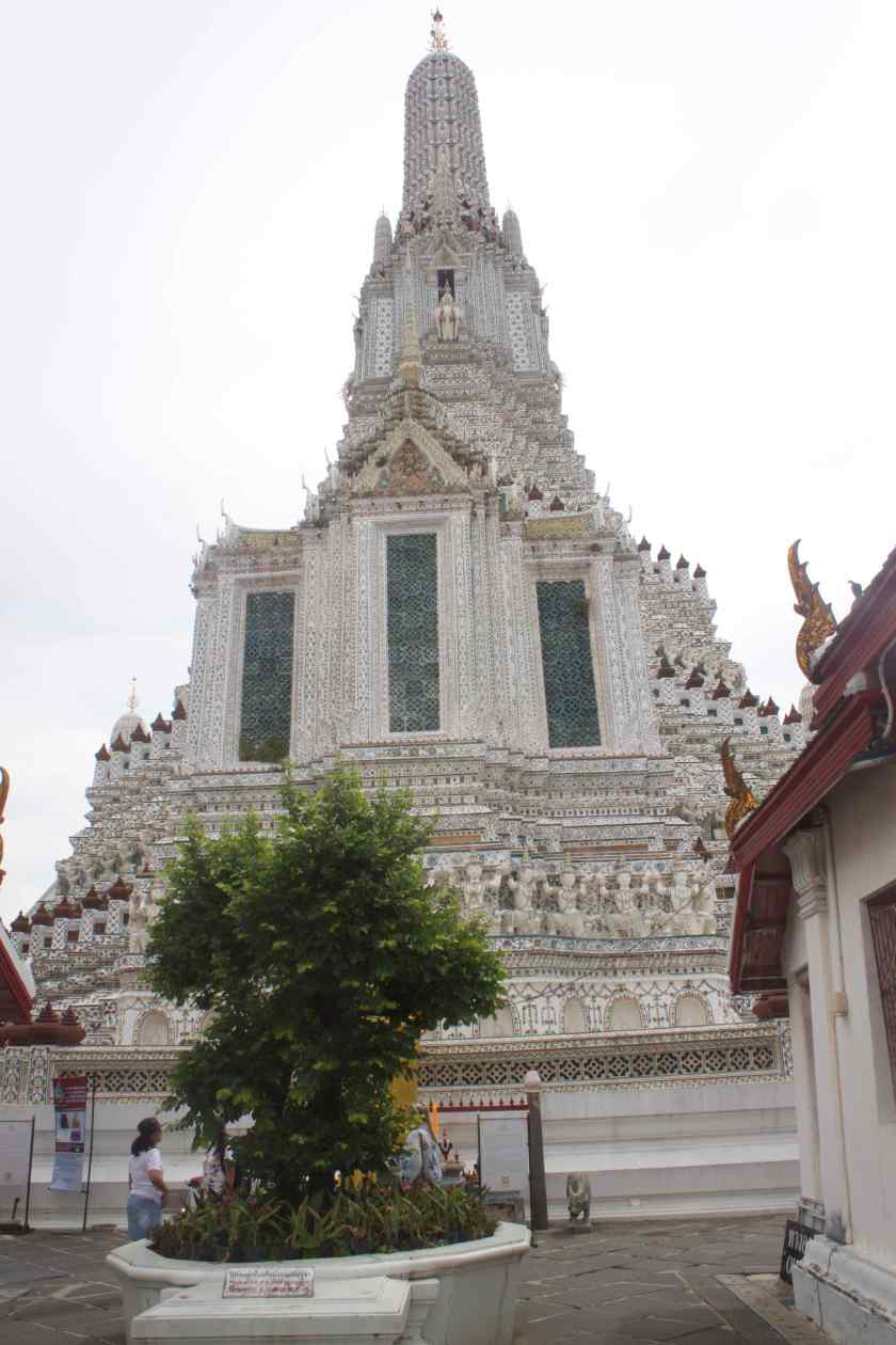 Structures around Wat Arun
