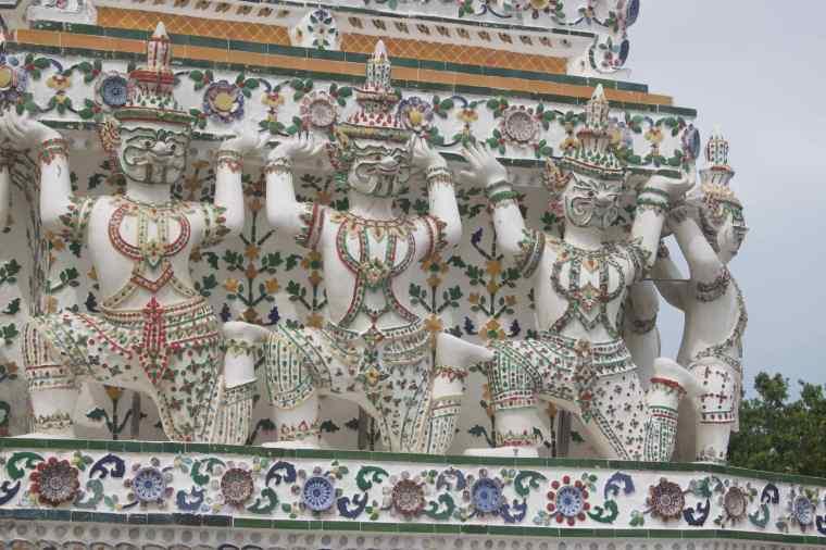 Sculptures in Wat Arun