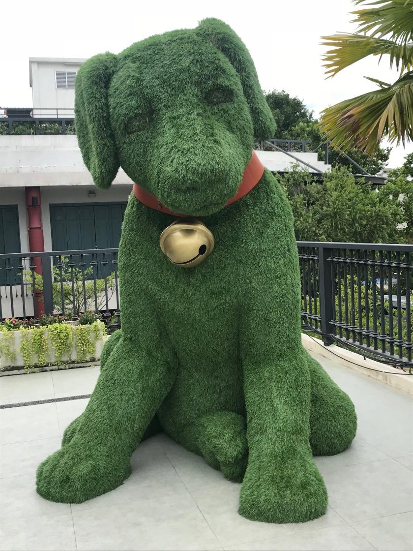 Statue at Maharaj Pier